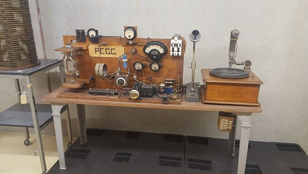 De eerste Nederlandse radio-uitzending